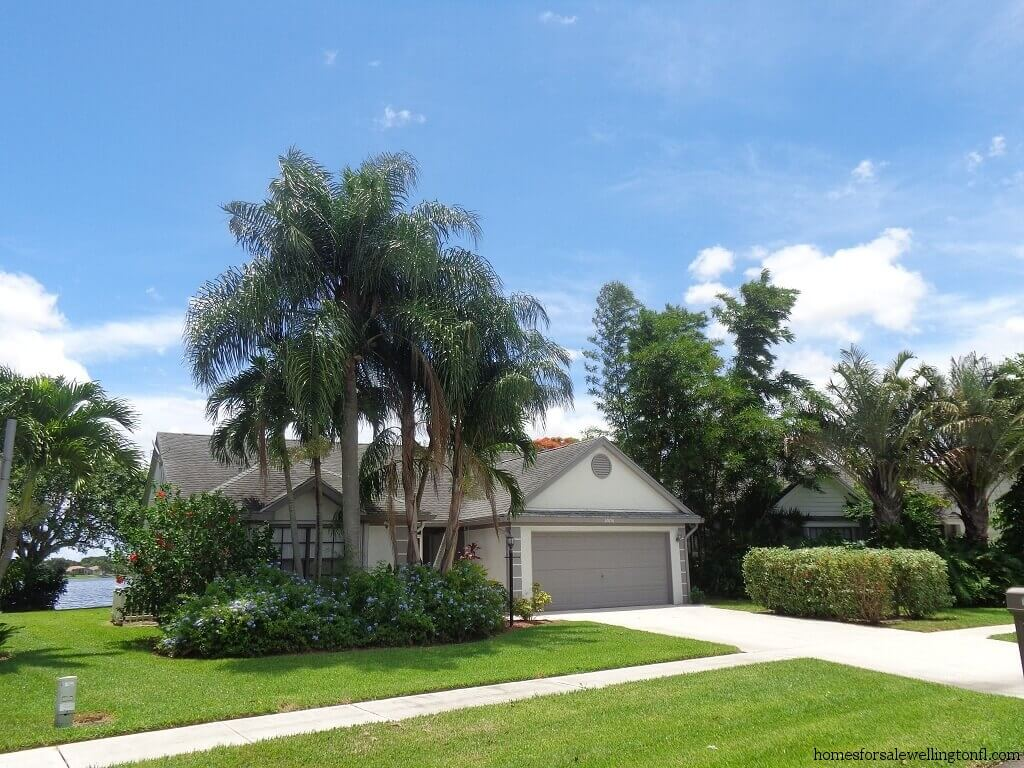 Meadowland Cove Real Estate for Sale in Wellington FL - Lake Views