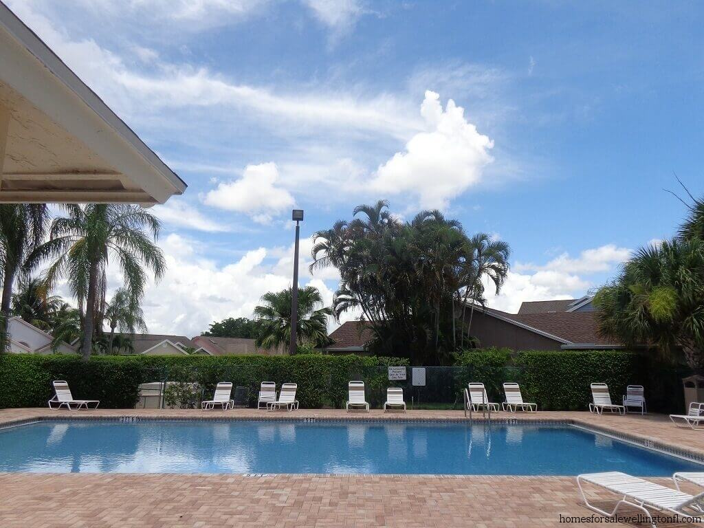 Meadowland Cove Homes for Rent in Wellington FL - Pool