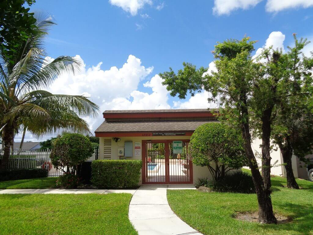 Hidden Landings Short Sales in Wellington FL