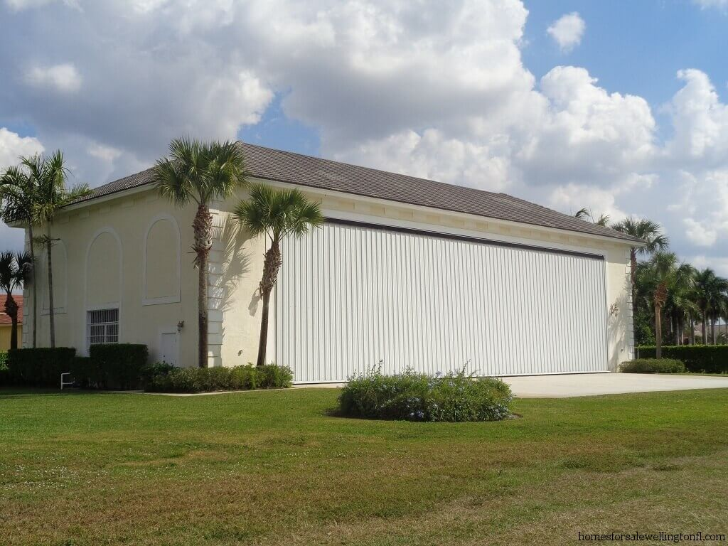 Aero Club Short Sales in Wellington FL - Airplane Hangar