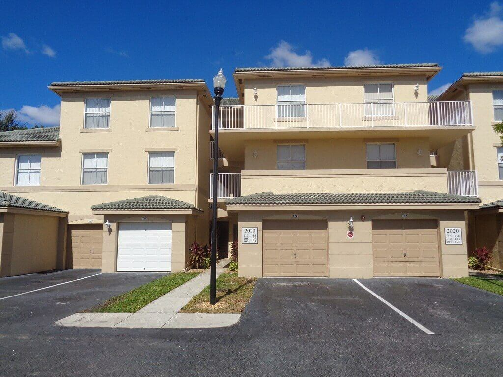 Arissa Place Homes for Rent in Wellington FL