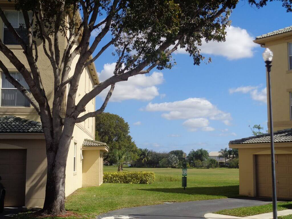 Arissa Place Real Estate for Sale in Wellington FL - Green Space
