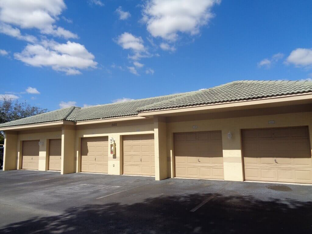 Arissa Place Listings - Separate Garages