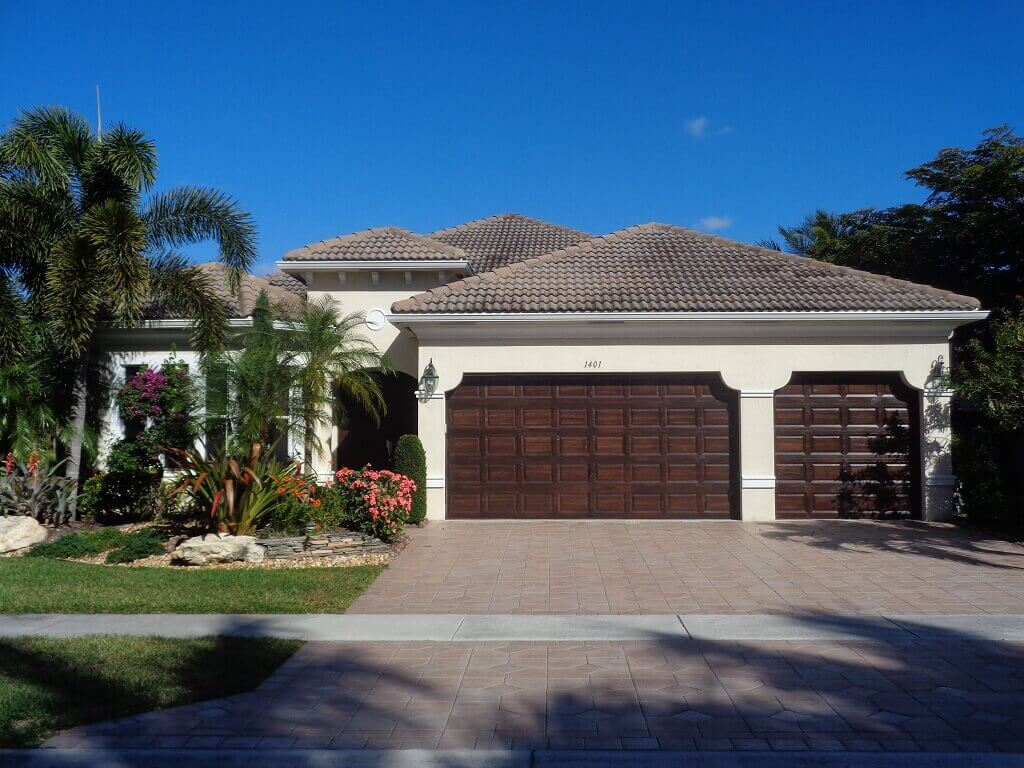 Black Diamond Homes for Rent in Wellington FL -3 Car Garage