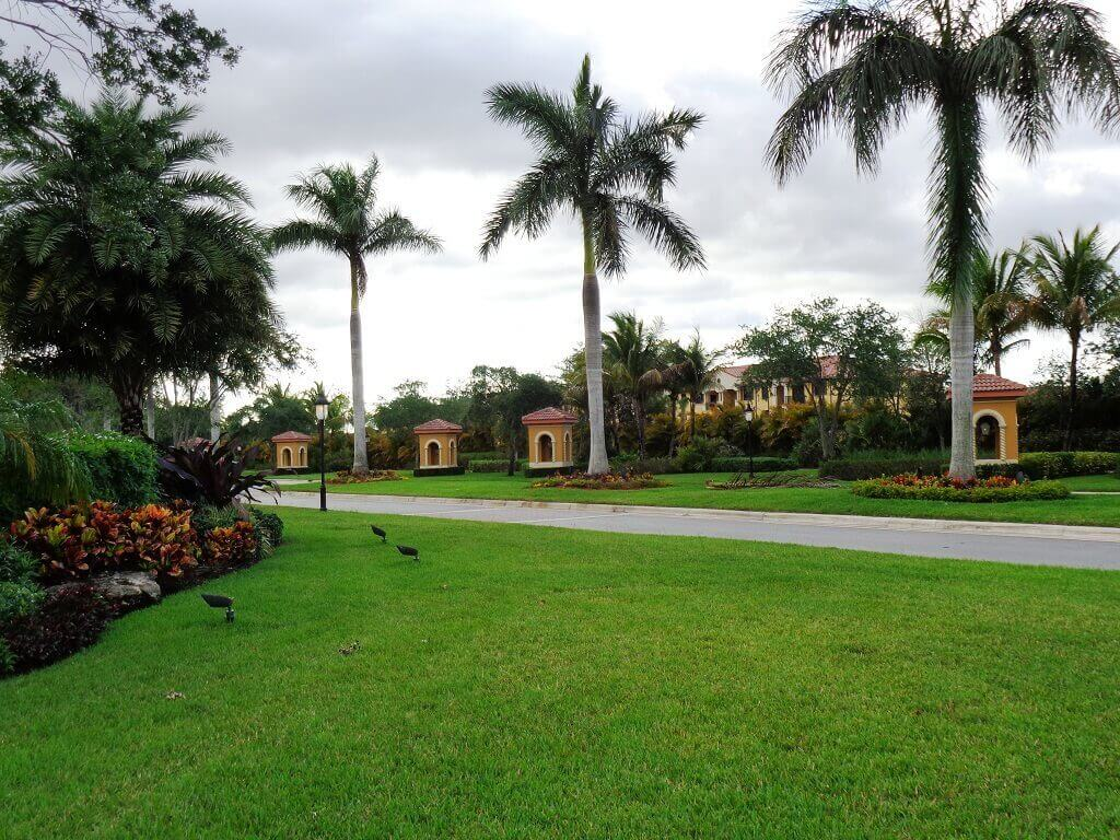 Black Diamond Homes for Sale in Wellington FL - Guard Gated Entrance