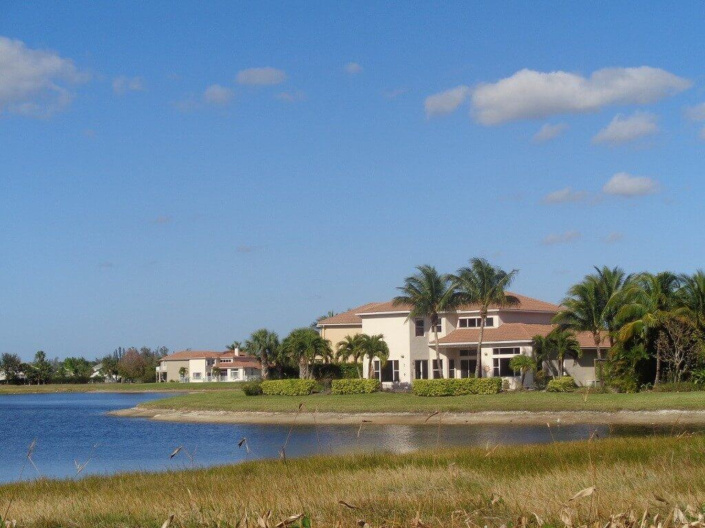 Black Diamond Rentals in Wellington FL - Lake Views