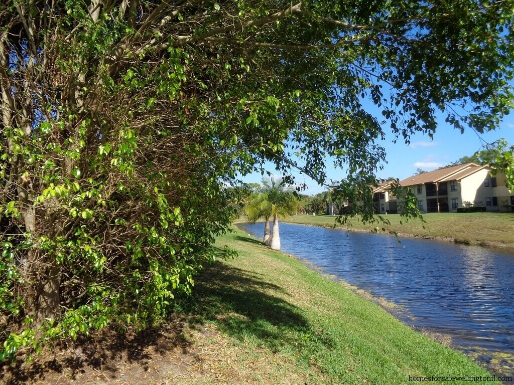 Georgian Courts Homes For Sale in Wellington Florida
