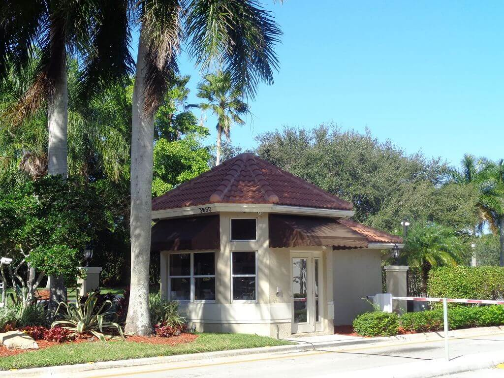 Grand Isles Homes for Sale in Wellington FL - Guard Gated Community