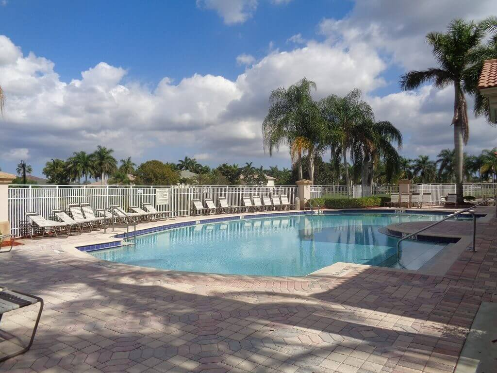Grand Isles Bank Owned in Wellington FL - Pool