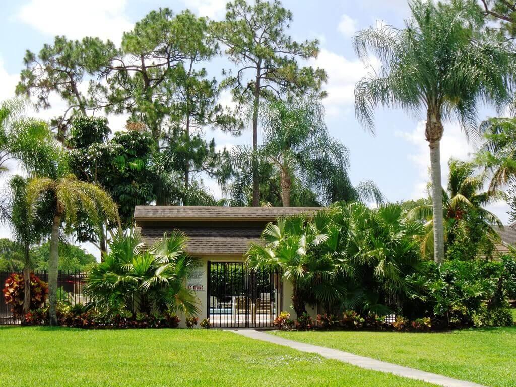 Hidden Pines Short Sales in Wellington FL