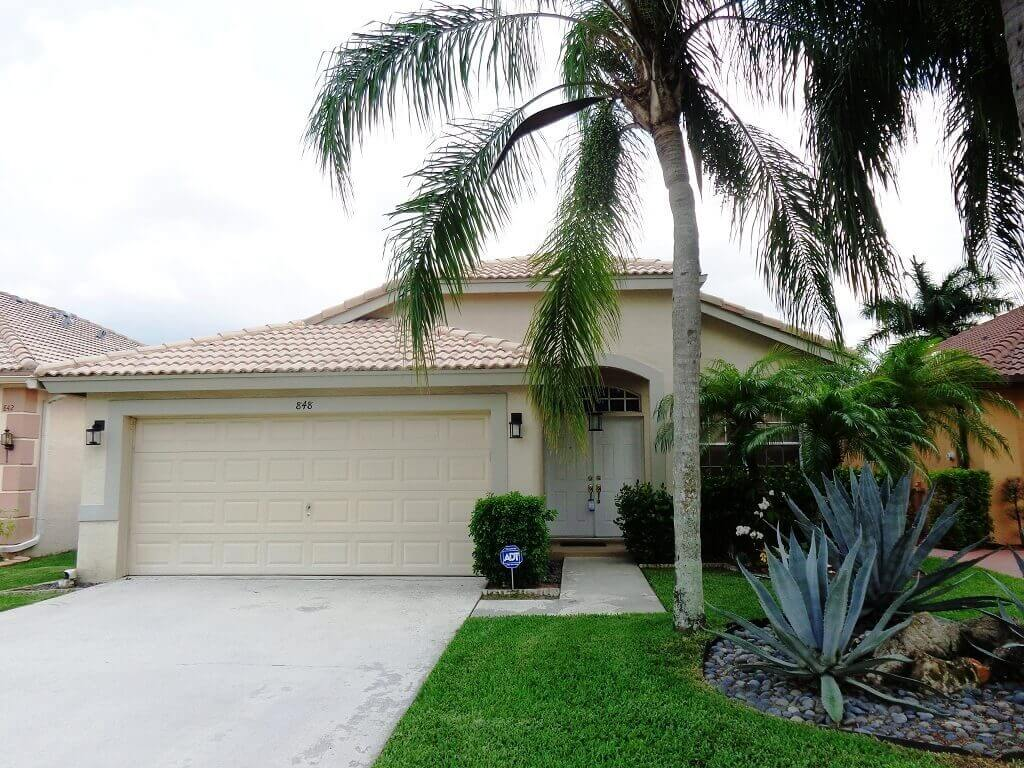 Monterey on the Lake Foreclosures in Wellington FL