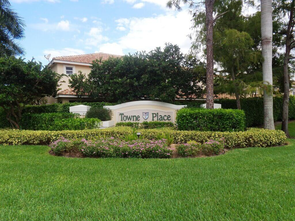 Towne Place Homes for Sale in Wellington FL