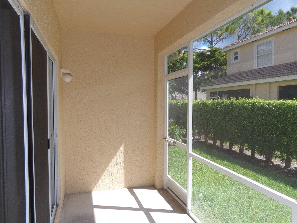 Towne Place in Wellington FL - Screened Patio